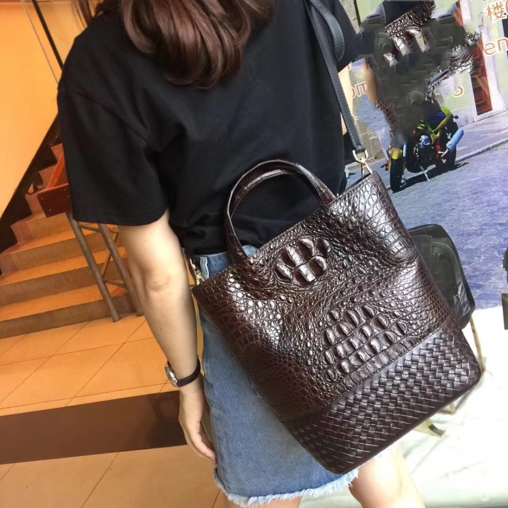 купить Fashion Two-sets Designer Genuine Crocodile Leather Female Knitting Handbag Lady Composite Bag Alligator Skin Woman Shoulder Bag по цене 27362.23 рублей