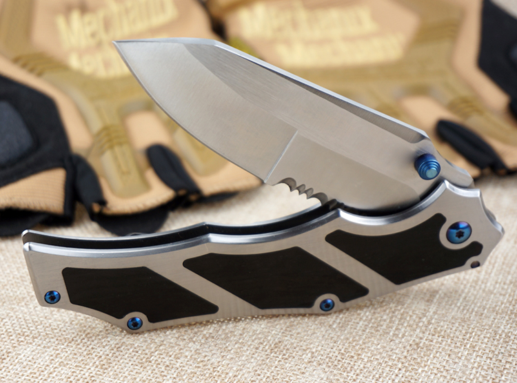 2017 New Serrated Hunting Knife Folding Tactical Survival Knife 8CR17Mov Steel Multi Functional knife