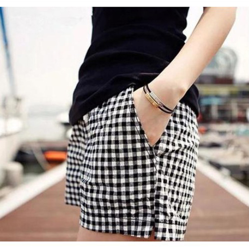 Pius Size M-4XL Black And White Plaid   Shorts   2016 Summer Style New Fashion Casual Loose Big Yards Elastic All-Match Women   Shorts