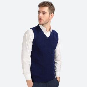 Image 2 - Brother Wang gilet tricoté décontracté en coton pour hommes, col en V, pull Slim, noir, nouvelle collection automne hiver 2020