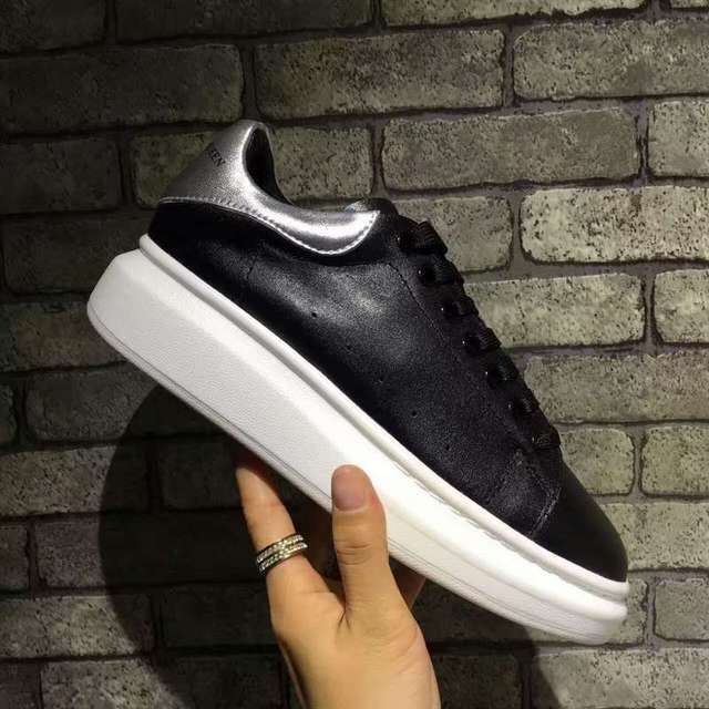 Alexander McQueen Qcm Femmes Mode Noir 4 Couleur en cuir Véritable  Dentelle-up Sneakers Mode 9fd8c6e935b