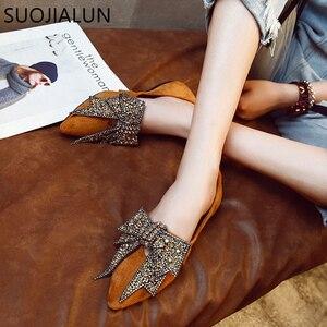 Image 2 - SUOJIALUN kadın düz 2019 zarif moda kadın düz bale ayakkabıları Bling kristal papyon sivri burun daireler ayakkabı bayan parlak düz