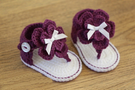 bfa80ffc0882 Baby girl summer shoes Crochet baby sandals