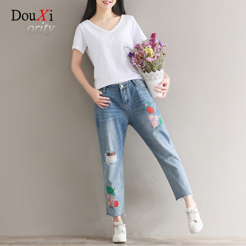 2017 Summer Embroidery Washed Knee-Hole Ripped Ankle-length Women Jeans Pants Loose Cool Casual Plus Size 3XL Denim Trousers new summer vintage women ripped hole jeans high waist floral embroidery loose fashion ankle length women denim jeans harem pants