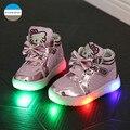2017 de 1 a 5 anos de idade meninas do bebê shoes desenhos animados kt moda botas de crianças levou luz shoes crianças casual shoes crianças sapatilhas