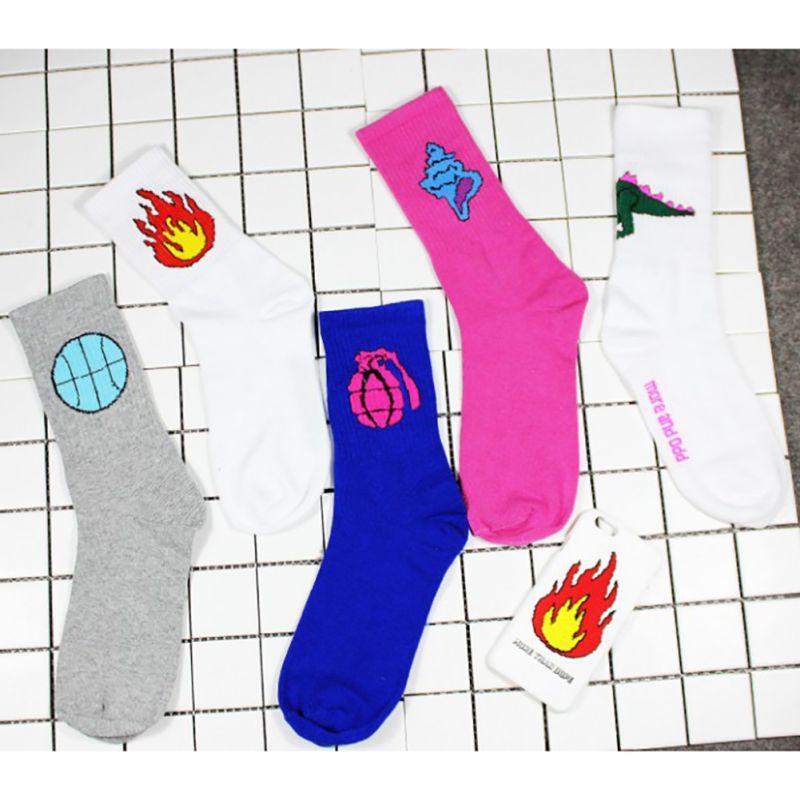 Korean Novelty Women and Men Cotton Socks Gun Fire Funny Dinosaur Gun Baseball Patterned Socks Creative Lovers Sock 2017