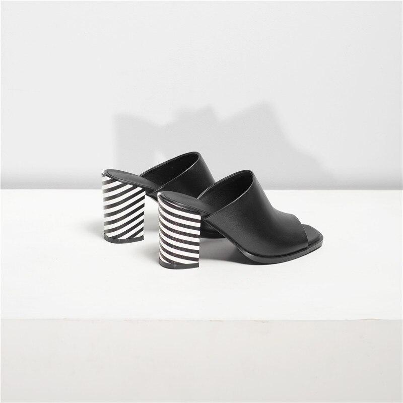 Mode Frau Ferse Masgulahe Größe Echtem 41 Toe 2019 Flach Leder 34 schwarzes Sommer Neue Frauen Große White Schuhe Sandalen Peep Platz 8g4SgwxI