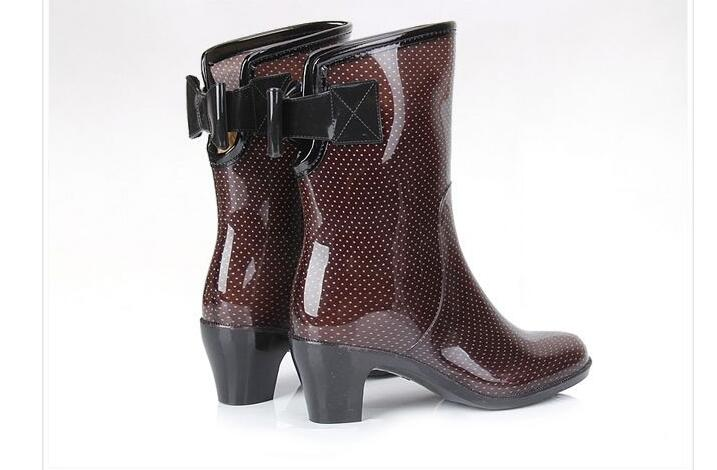 US $30.35 34% OFF Rouroliu Frauen Neue High Heels Non Slip Bowknot Rain Wasserdicht Wasser Schuhe Gummistiefel Dot Mid Kalb Regen Stiefel RT257 in