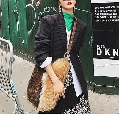 Faux Fur Shoulder Bag New Large Capacity Leisure Bag for Women Winter And Autumn Contracted Joker Cute Solid Female Bag Round