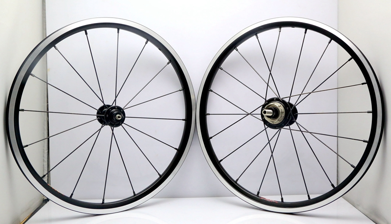 BRAND NEW 16 x1 3/8 ( 349 ) silver/black  2/3speed Wheelset light weight 16/20hole for brompton bikeBRAND NEW 16 x1 3/8 ( 349 ) silver/black  2/3speed Wheelset light weight 16/20hole for brompton bike