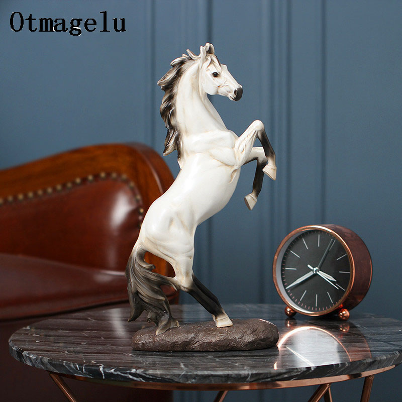 Cheval créatif décoration de mariage Figurines Miniatures résine artificielle ornement Animal Vintage décor à la maison saint valentin cadeaux-in Figurines et miniatures from Maison & Animalerie    1
