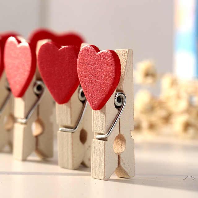 10 Pcs colorful Mini Amore Del Cuore di Vestiti di Legno Photo Paper Peg Spille Vestiti Spille Mestiere Cartolina Pinze Casa Decorazione di Cerimonia Nuziale d3