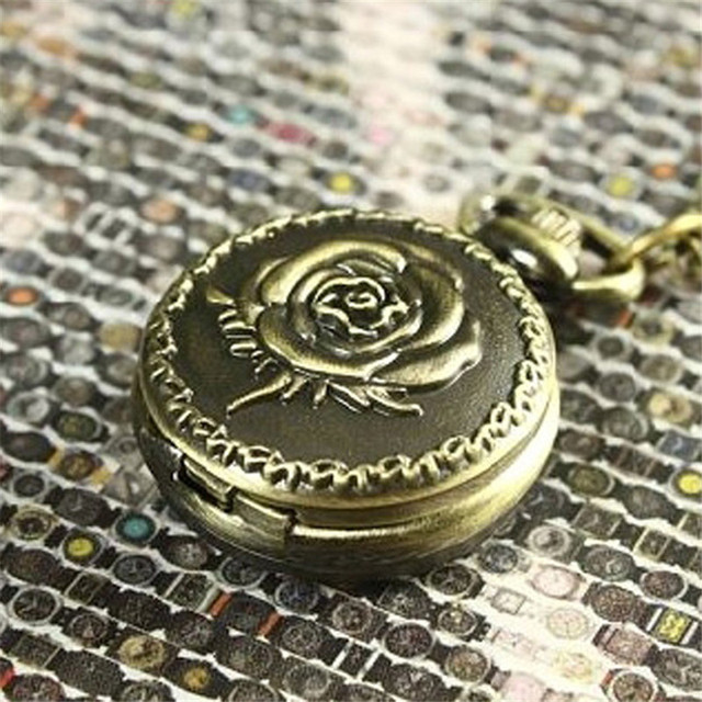 Antique Brone Watch Clock Rose Flower Watches Women Dress Pocket Watch Steampunk Watch Flower Necklace Chain Clock Free Shipping