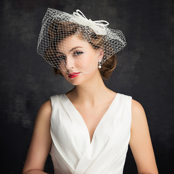 2018 nueva moda nupcial sombreros sombrero blanco velo nupcial de La Flor  arco novia cara velos de novia sombreros accesorios de boda c33166f1828
