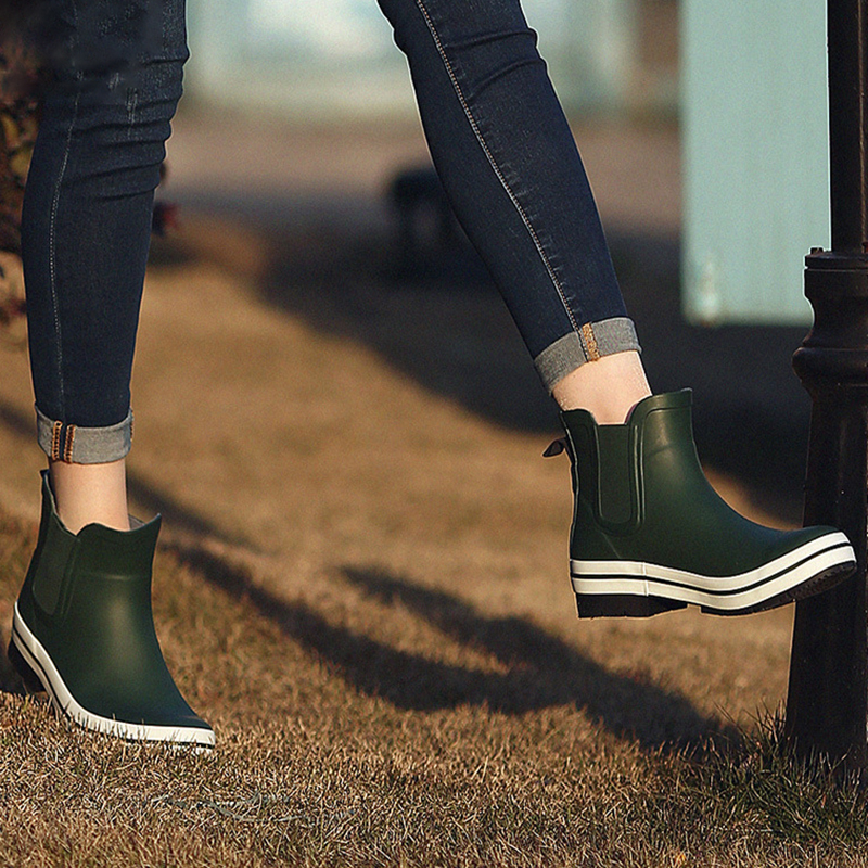 купить Women Rain Boots Ankle Chunky Heels Boots Black Blue Women Fashion Rubber Boots Waterproof Female Footwear Ladies Shoes по цене 3707.9 рублей