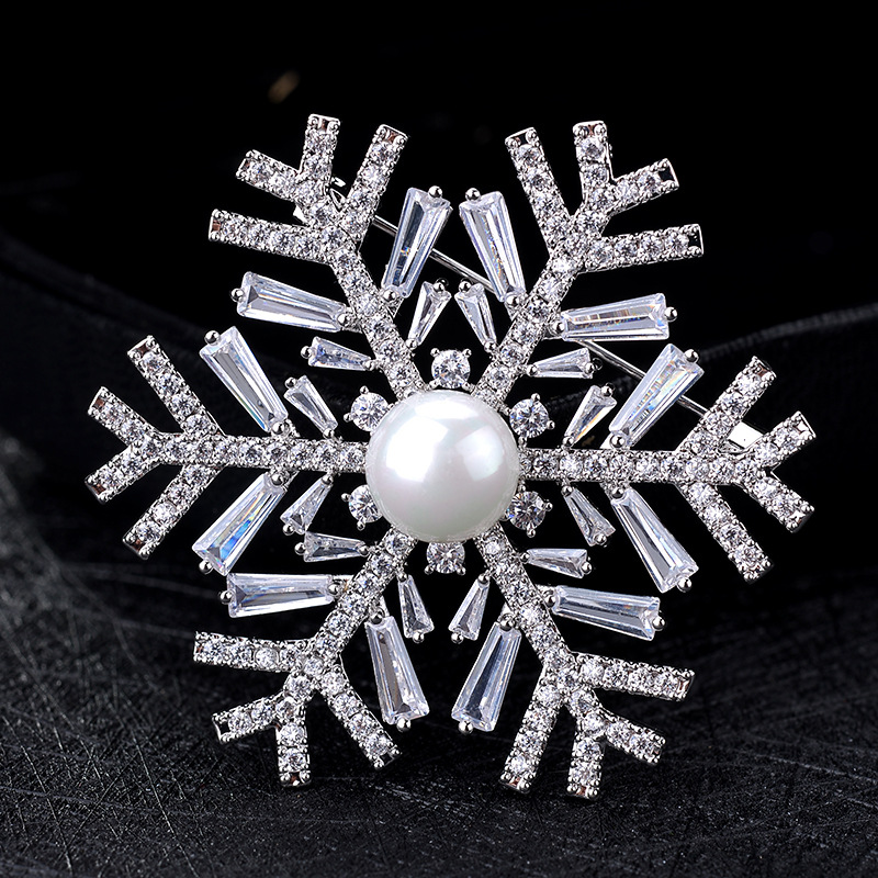 Snowflake Crystal Zircon Pearl Suit Sweater Collar Pins and Brooches for Women Lapel Pin Broches Broach Christmas Jewelry X162