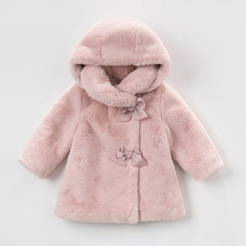 купить 2018 Winter Jackets For Girls Fur Coat With Bows Warm Baby Girl Faux Fur Jackets Hooded Princess Coat Children Outerwear Clothes по цене 2294.24 рублей