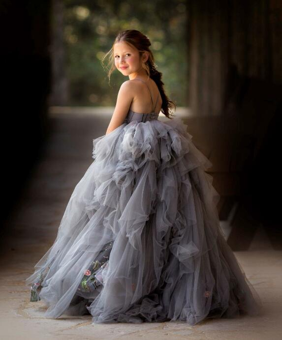 Gray tulle sweetheart spaghetti strap flower girl dresses tiered performing pageant gown embroidery toddler birthday party dressGray tulle sweetheart spaghetti strap flower girl dresses tiered performing pageant gown embroidery toddler birthday party dress