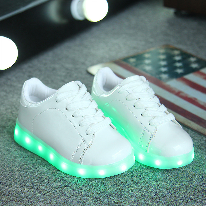 2016 New Lace Children Shoes with Led Light Kids Luminous Fashion Sneakers Brand Boys Girls Ktv Night Show Lamp Canvas 8618