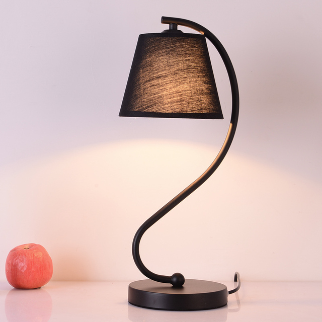 Hot Sell Desk Lamp Home Decoration Romantic Modern Bedroom Light Fabric Table Lamps For Living Room Reading