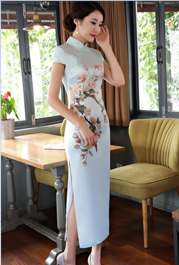 06e5bbc299ea7 US $30.0 |free shipping 2019 short sleeve long dress Qipao Chinese Dress  chinese style gold velvet cheongsam dress-in Cheongsams from Novelty & ...