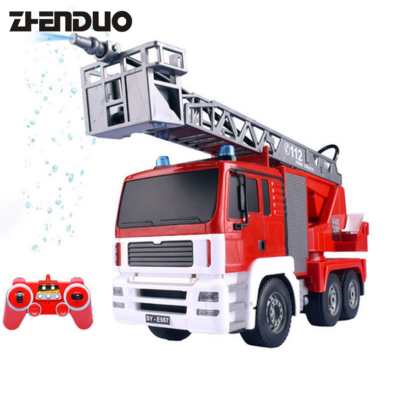 цена RC 2.4GRemote Control Electric Fire Truck Water Spray Fire Toy Car Sprinkler Music Water Fire Engines Educational Toys For Child онлайн в 2017 году