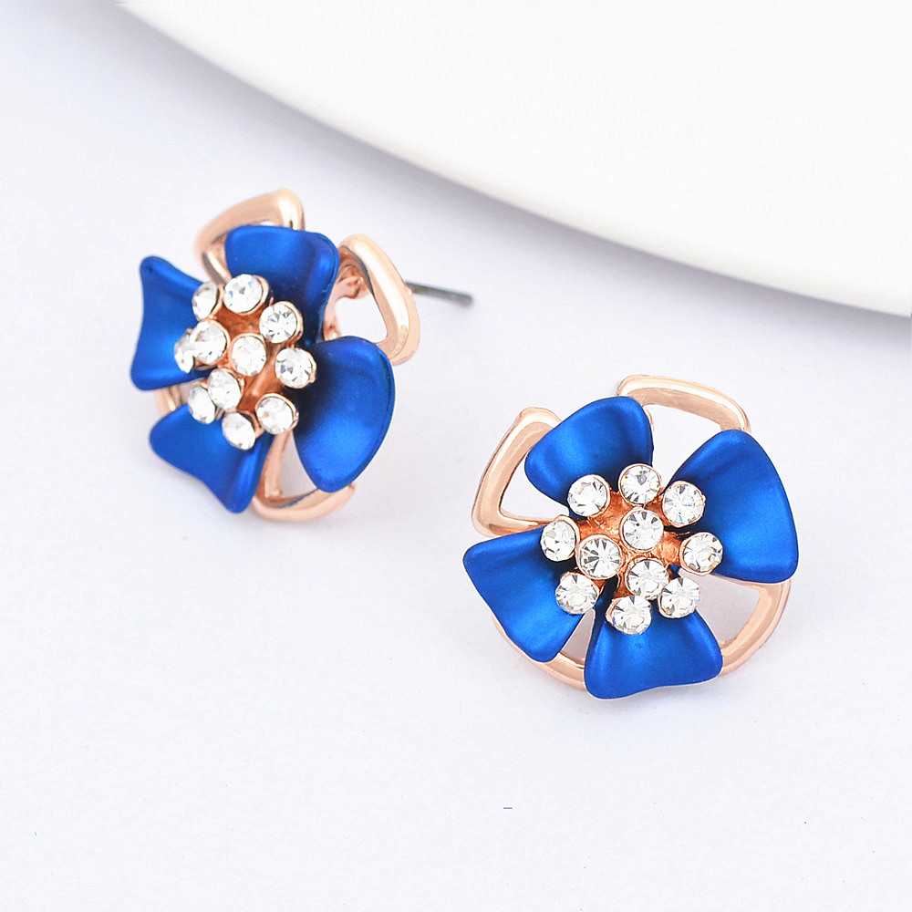 Fashion Jewelry Three dimensional Matte Ear Clip Blue Flowers Earrings Perforated Female Elegant Earring E00957 in Stud Earrings from Jewelry Accessories