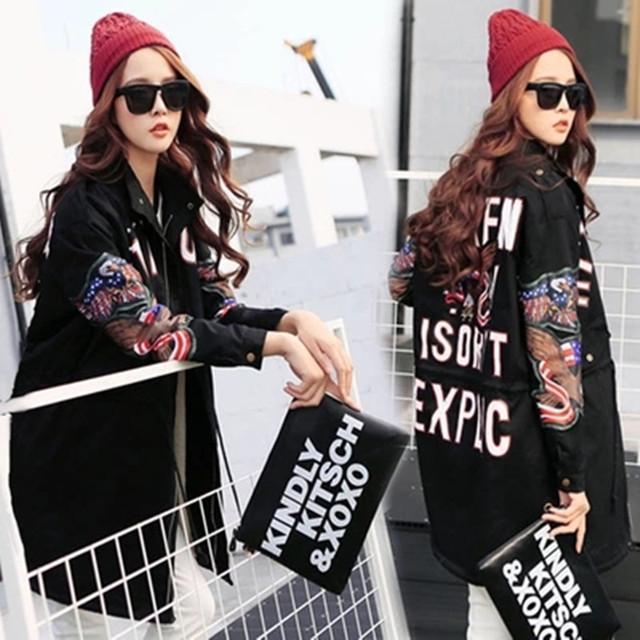 Mulheres Trincheira 2016 novas mulheres trincheira outono & inverno carta padrão de impressão rebite decorar YQ18 outwear casuais frete grátis