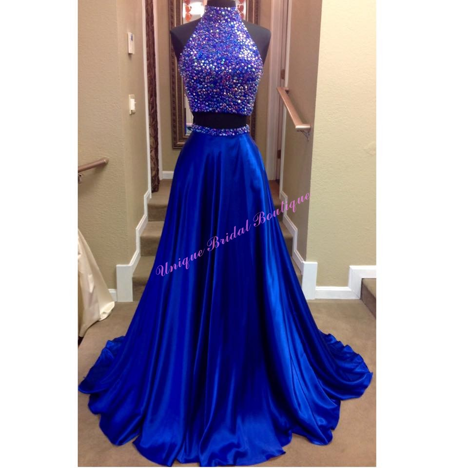 2016 2 Pieces Prom Dresses With High Neck And Keyhole Back Beaded
