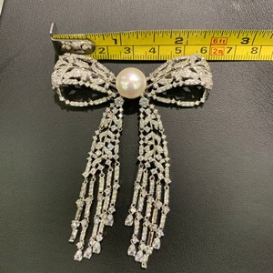 Image 4 - 11 12MM natural fresh water pearl brooch copper with cubic zircon bowknot brooch pins tassels classic fashion women jewelry