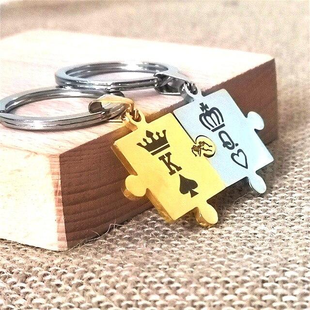 1 para dostosowane brelok grawerowane korona król królowa Poker pik litery K Q brelok pary kobiety mężczyźni prezent dla chłopaka brelok
