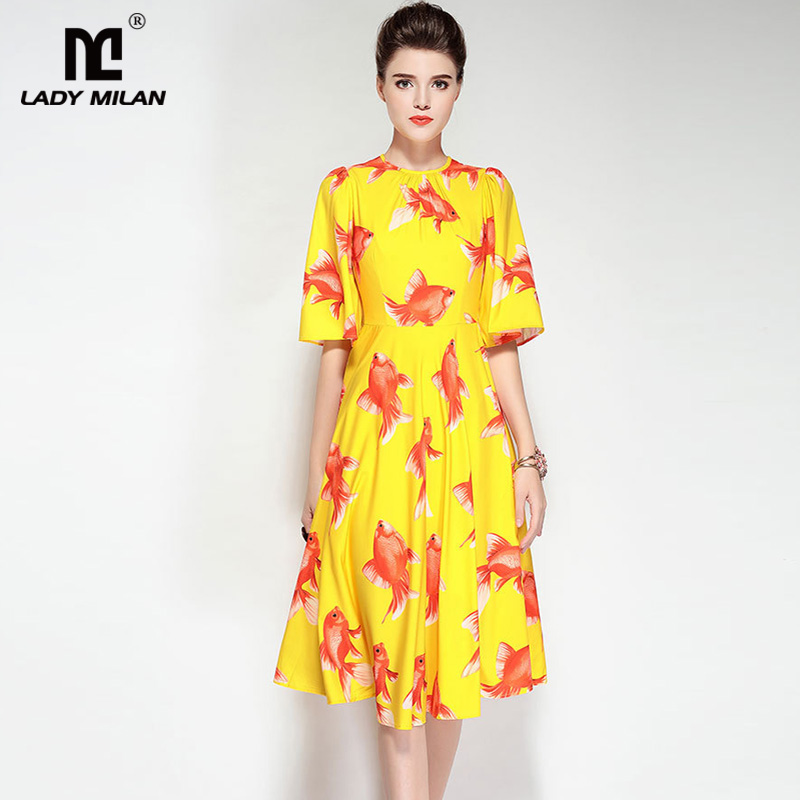 New Arrival Womens O Neck Half Sleeves Printed High Street Fashion Dresses