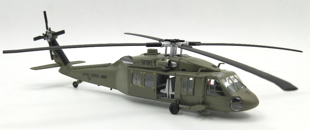 1:72 American UH-60A Black Hawk Helicopter Model Trumpet  Finished 37017 Collection Model