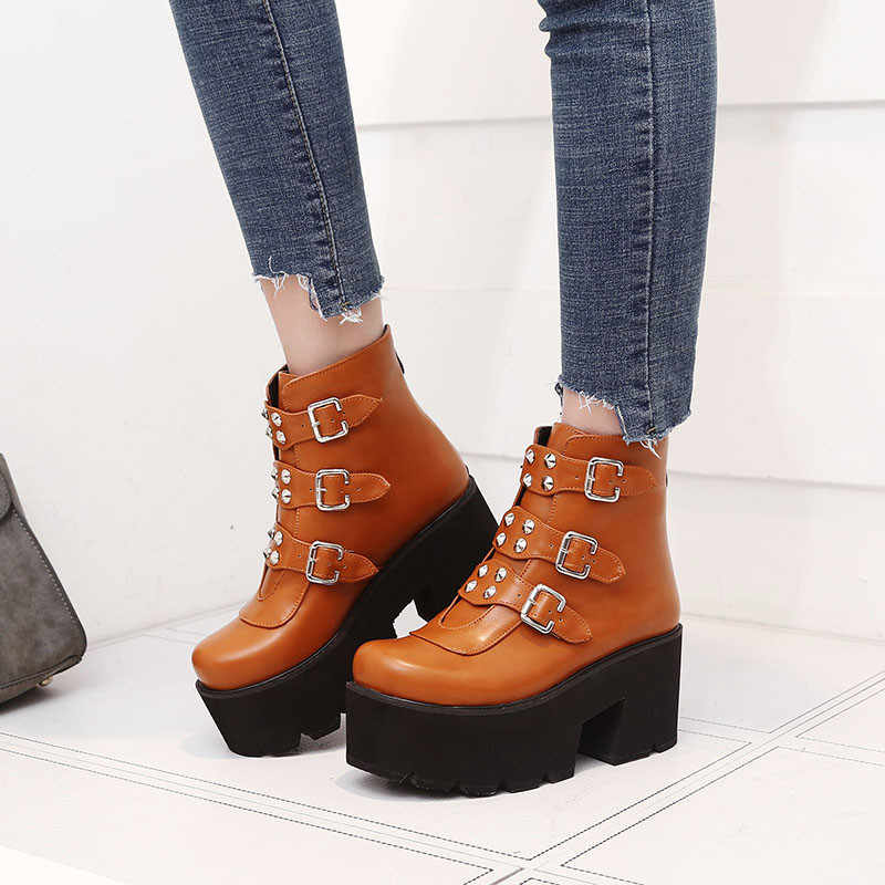 Ymechic 2019 Combat Laarzen Voor Vrouwen Platforms Blok Hoge Hak Punk Schoenen Gothic Klinknagel Gesp Enkel Militaire Laarzen Big Size 34-45