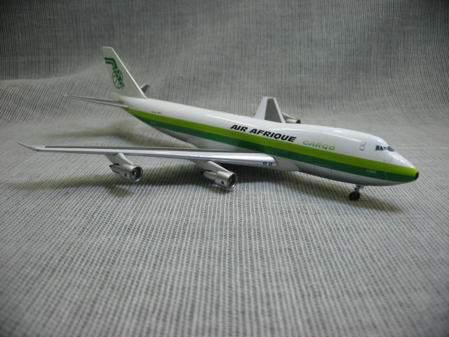 Out of print  Aviation 400 1: 400 African aviation Boeing B747-200 tu-tap Alloy aircraft model Favorites Model jc wings 1 200 boeing 747 8 aircraft alloy model the simulation model alloy aircraft favorites model
