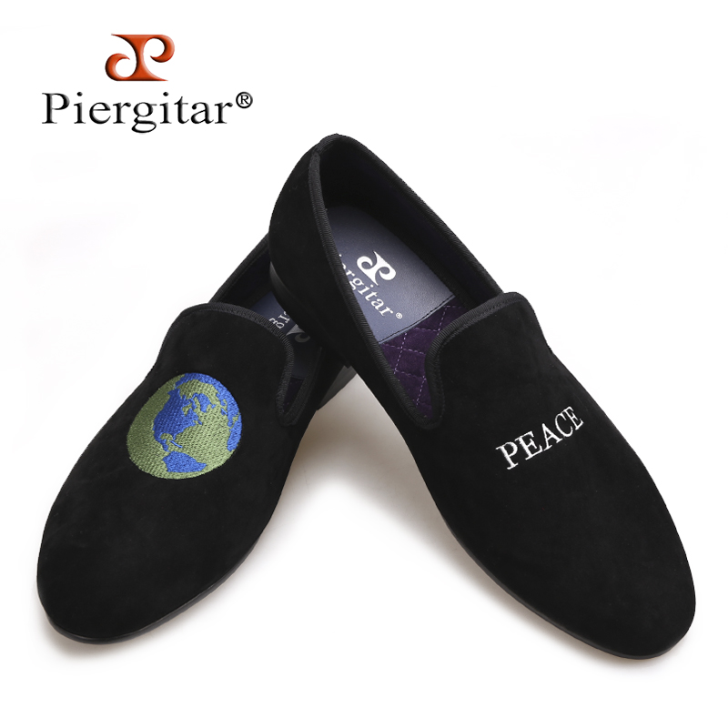 Piergitar 2018 new British style Handmade men smoking slippers black velvet shoes with two embroidery design male's loafers new black embroidery loafers men luxury velvet smoking slippers british mens casual boat shoes slip on flat shoes espadrilles