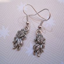 24pair *FANTAIL GOLDFISH* Oriental Style Tibetan Silver Earrings Gold Fish GIFT POUCH 36mm LK456