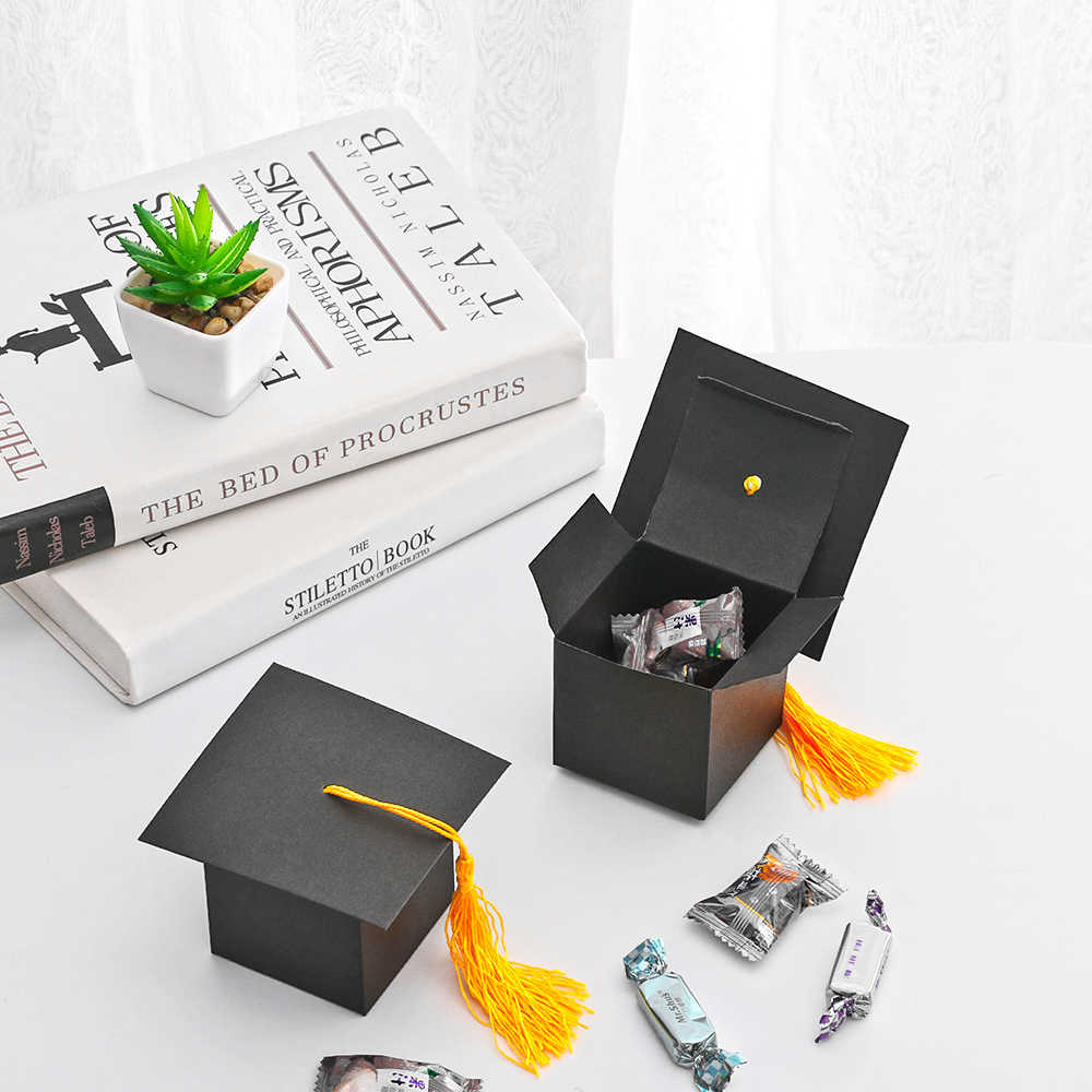 Graduation Celebration Decoration Candy Box Paper Carrier Bachelor Hat Cap Bag