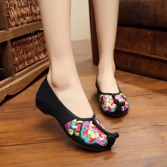 Плюс Размер 41 женская Мода Обувь цветы Квартиры Повседневная Вышивка Обувь Мягкой Подошвой Ткань Прогулки Танцевальная Обувь Красный Черный
