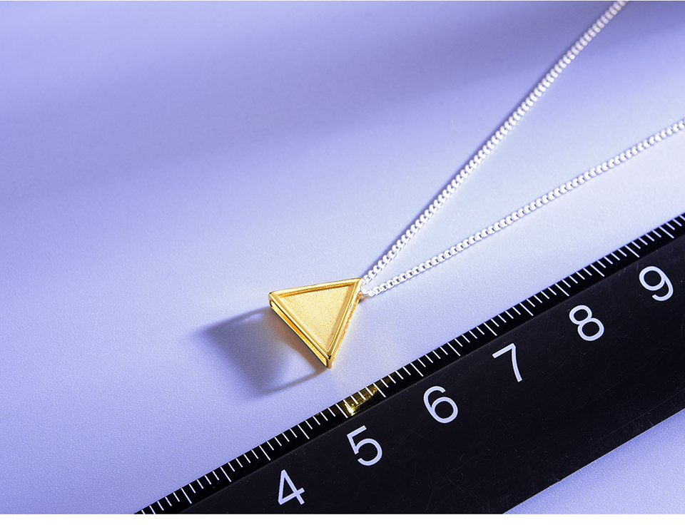 LFJE0125-Minimalism-Style-Geometric-Triangle-Design-Pendant_08