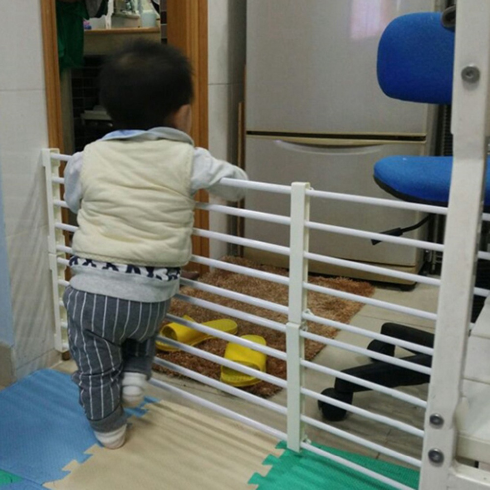 Baby Playpen Fence Baby Safety Gate Stair Fencing for Children Indoor Retractable Pet Isolating Gate Room Plastic Baby Playpen