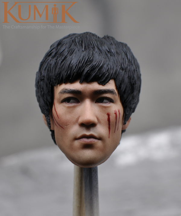 Kumik 1/6 KM16-45 Asian Kung Fu Star Bruce Lee Injured with The Head Carved 1/6 Action Figure Accessories Collection Gift kung fu master bruce lee pvc action figure collection toys the blind monk lee sin lol action figure legend of the dragon gifts