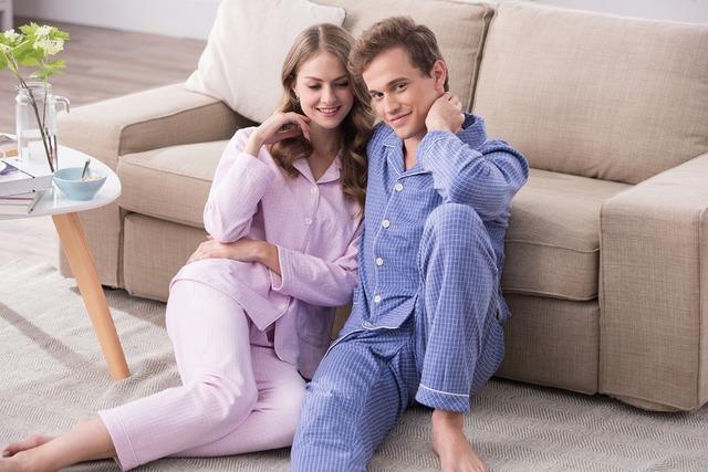 El otoño y el invierno de la capa de aislamiento térmico convencional par de pijamas de algodón de manga larga de algodón de aire de servicio a domicilio