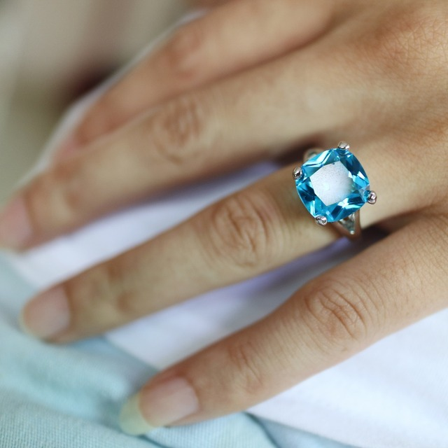 2018 Rings For Women Silver Plated Engagement Big Blue Crystal Stone Zircon Ring Women Wedding Bridal Bague Size 6 7 8 9 10