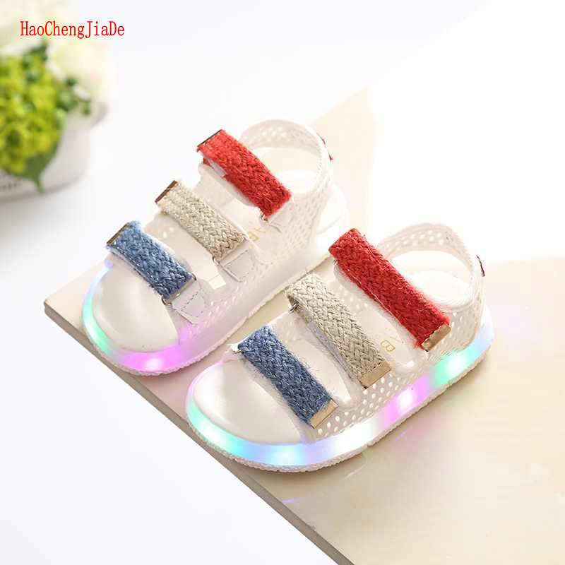 2018 Fashion children summer LED boys shoes light sandals candy color girls glowing shoes 1-3-6 years old non-slip beach shoes