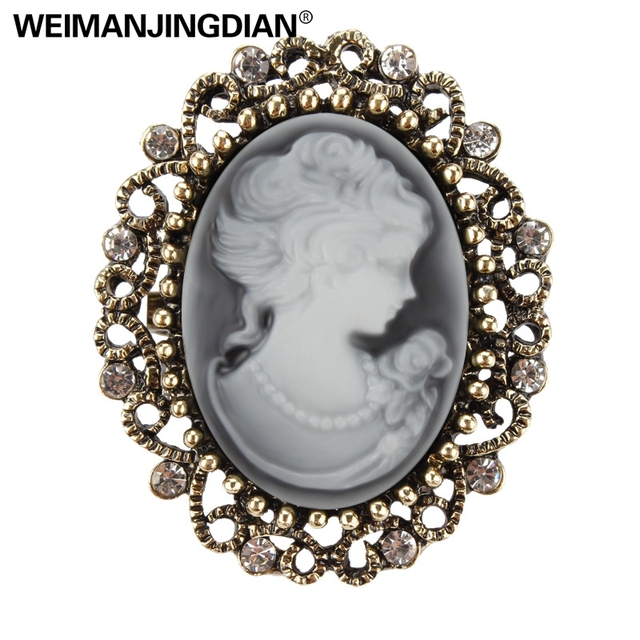 Factory Direct Sale Vintage Queen's Cameo Crystal Brooch Pins for Women in Antiq