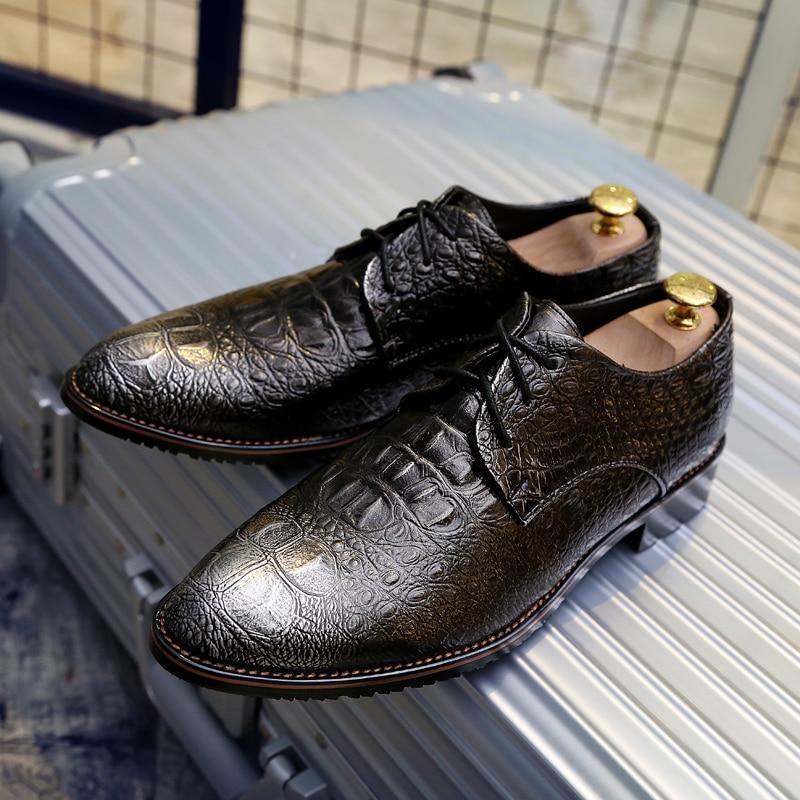 Ayakk.'ten Erkek Rahat Ayakkabılar'de Benzersiz dantel up wingtip erkek ayakkabısı lüks marka hakiki deri balerin flats loafer'lar zarif klasik resmi oxford ayakkabı