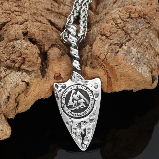 STAINLESS STEEL VALKNUT RUNE NECKLACE