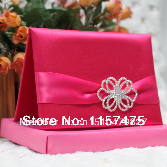 HI2004   Customized Silk Folder Wedding Invitation With Diamond Brooch(