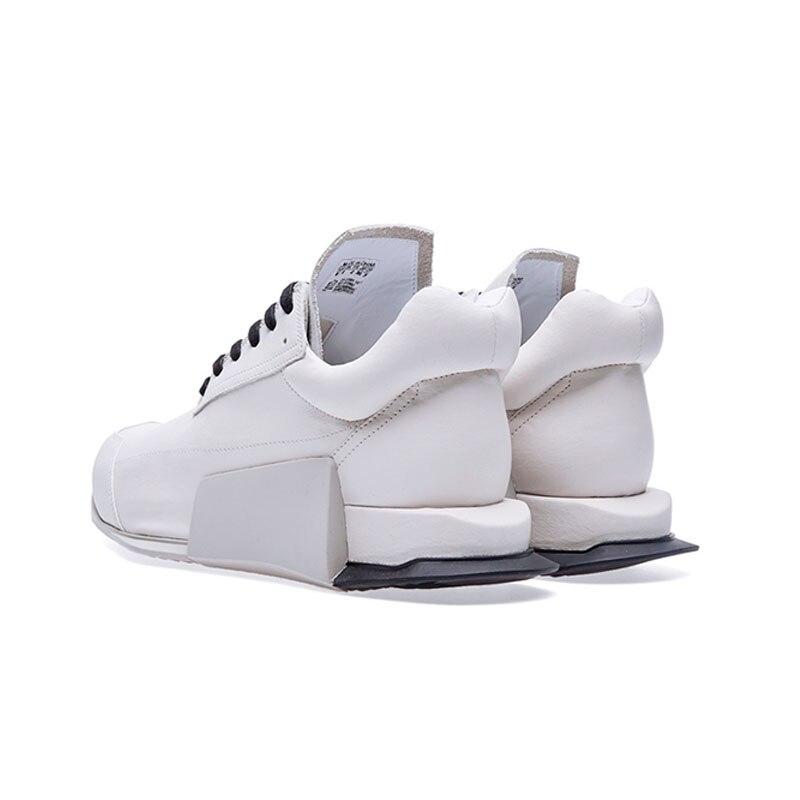 Stile europeo Low Top Sneakers In Pelle per Gli Uomini di Moda di Lusso Del Merletto di Bianco Naturale Up Casual Outddor Scarpe di Cuoio A Piedi Degli Uomini-in Scarpe casual da uomo da Scarpe su  Gruppo 3